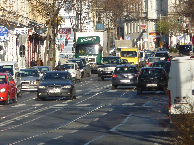 Gersthofer Straße: Lebensraum statt Auto-Rennbahn