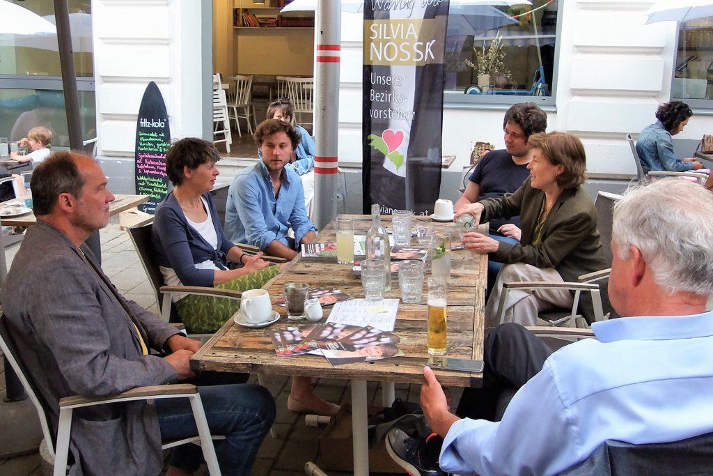 Ein Abend im Café Himmelblau